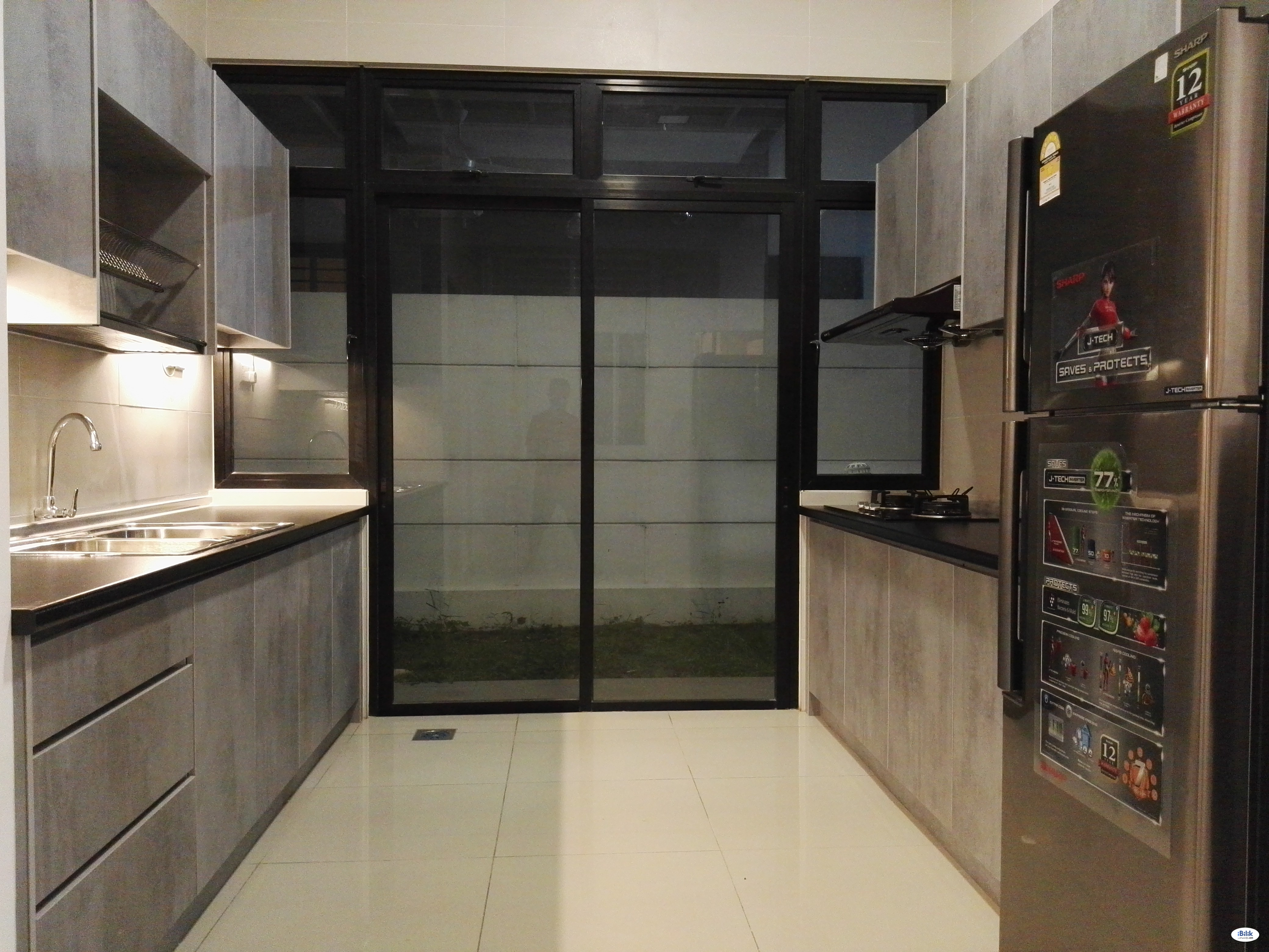 Master Room at Bukit Indah, Iskandar Puteri, Nusajaya [Prefer Chinese] - Includes Utilities