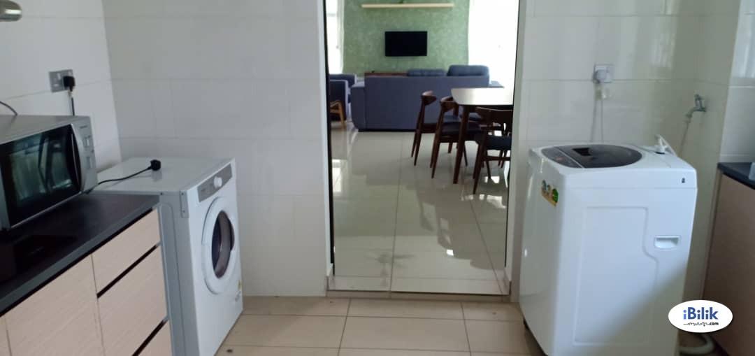 Room Rental / Master Room / Horizon Hills (Double-storey detach house, Intermediate)