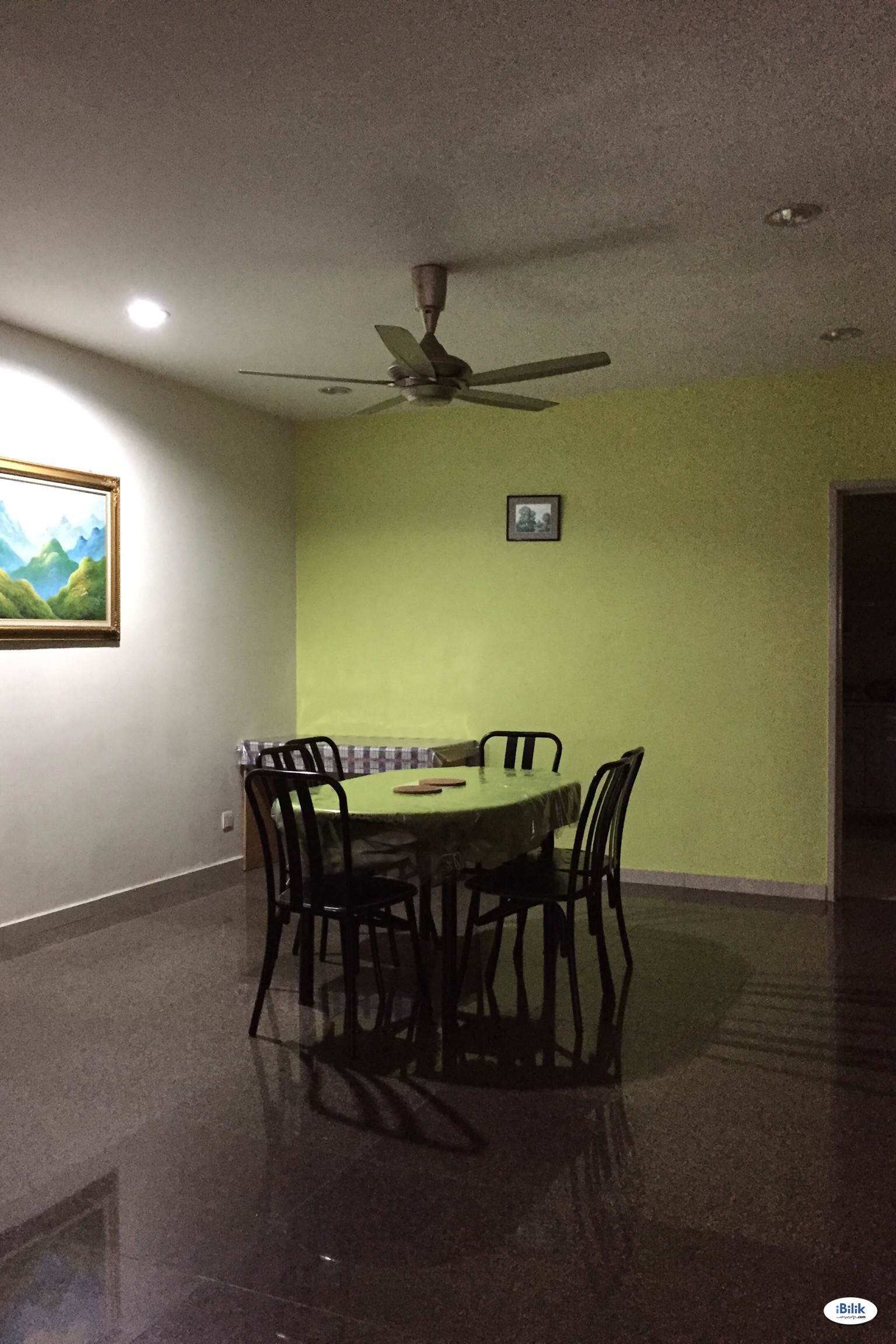 Middle Room at BU10, Bandar Utama