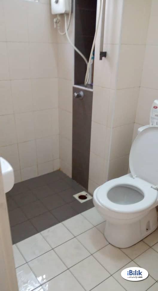 Room At Setia Alam NEAR Klang Sentral & Bandar Bukit Raja With Weekly cleaning