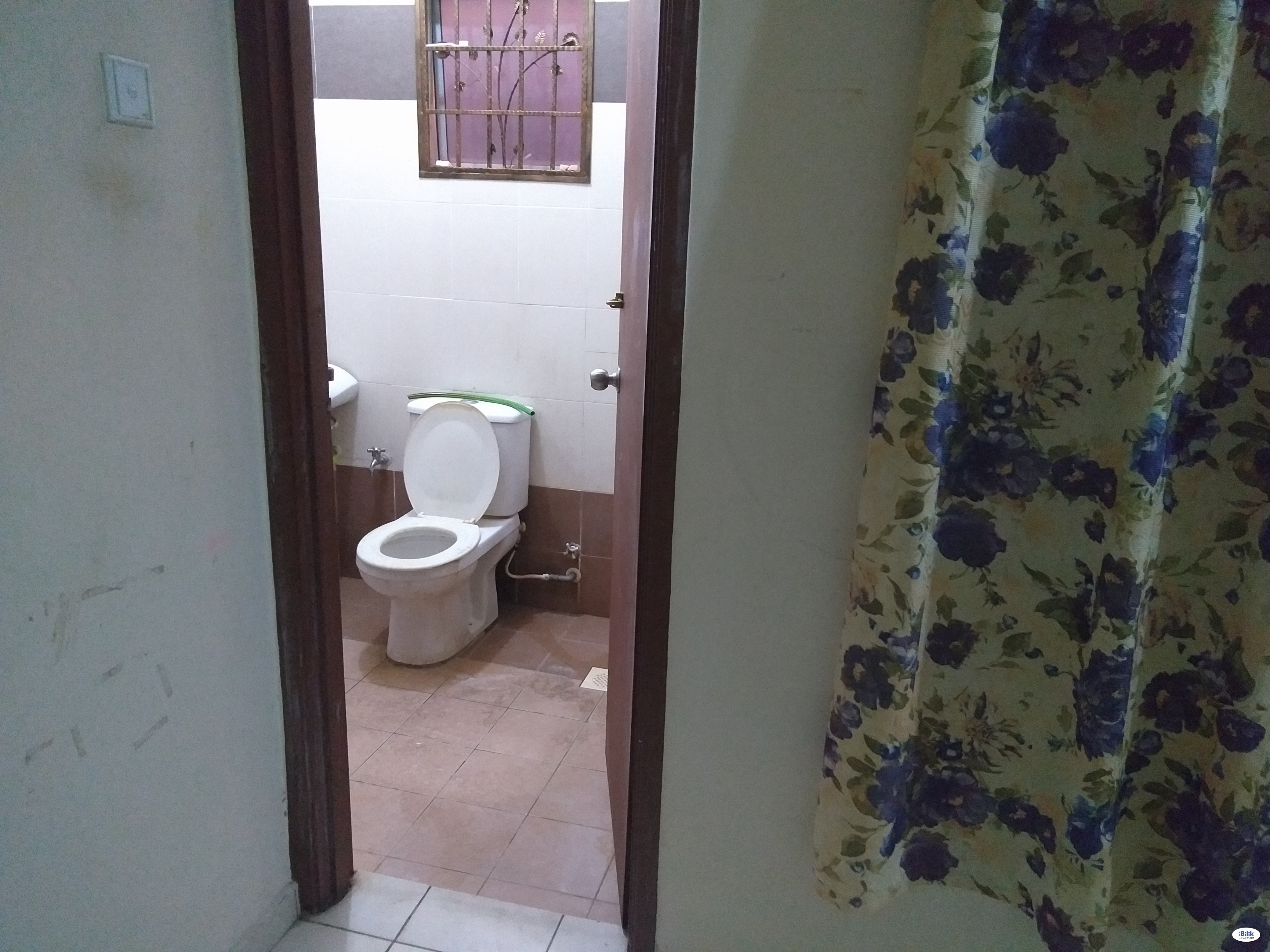 Middle Room at Senawang, Seremban