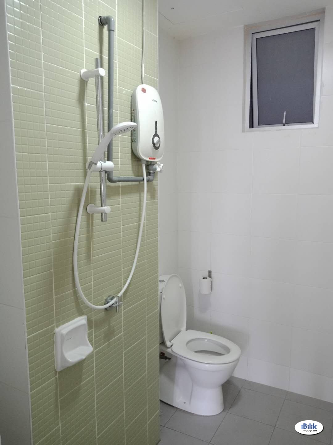 Middle Room with Private Bathroom at The Sanderson, Seri Kembangan