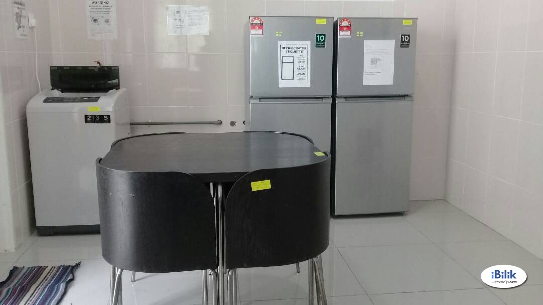 Available Middle Room Rent At BU7 Short Distance to Centrepoint/FCUC/LTR