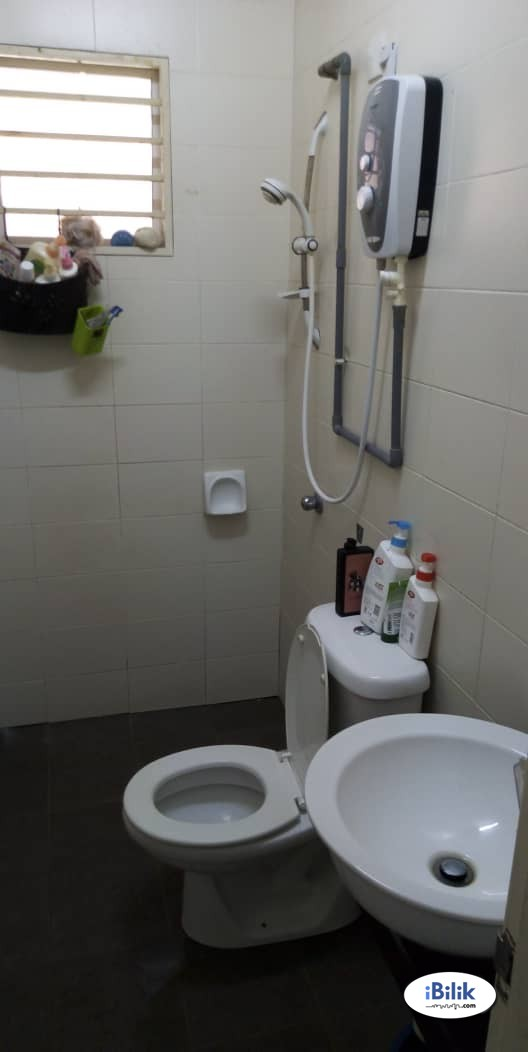 Available Room Rent At Uptown Damansara Utama SS21 Nearby Starling Mall Uptown & WI-FI
