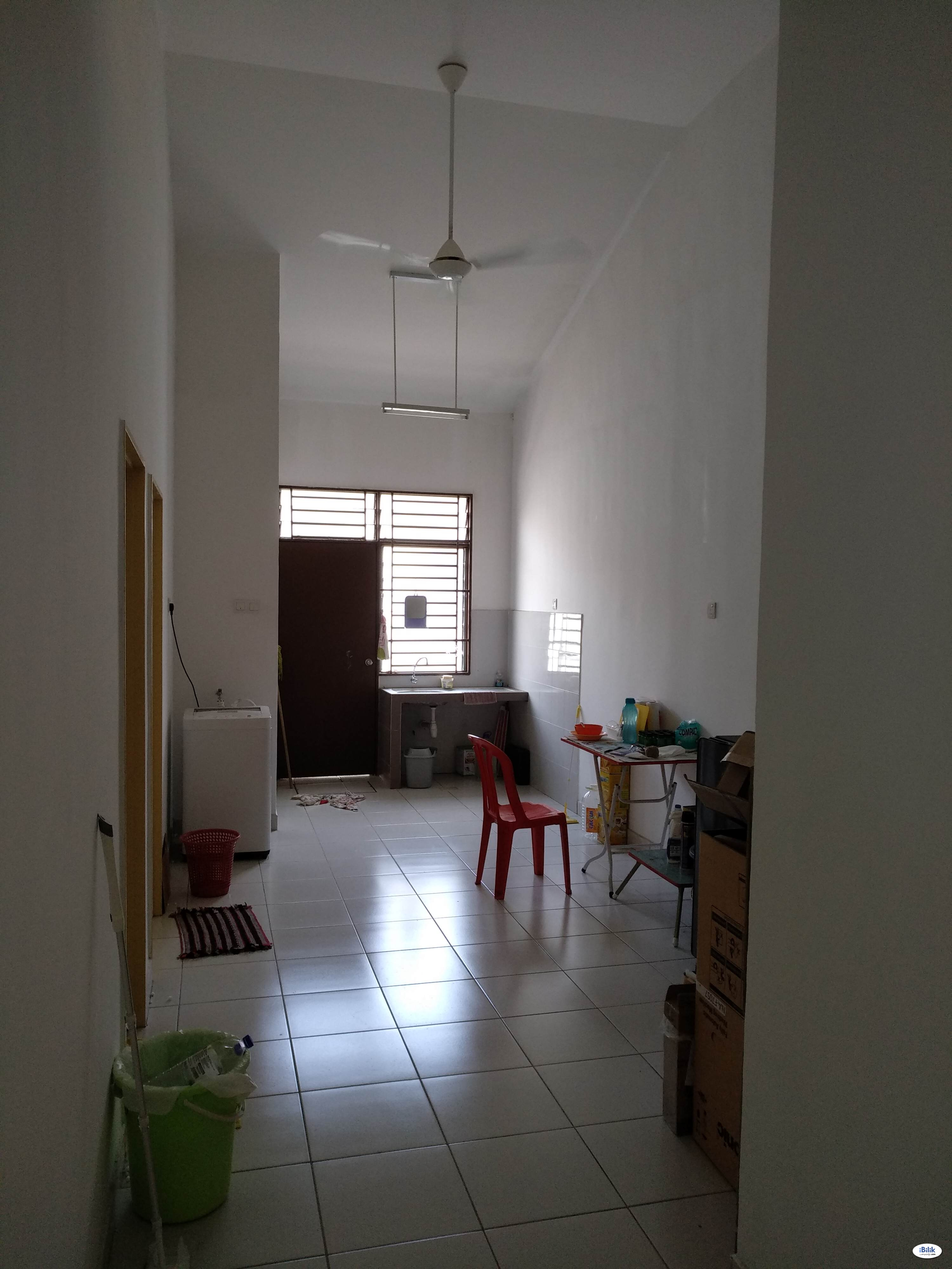 Kulai/senai Only RM300 President suite room fully furnish 2019,included utility fee.. Direct deal owner