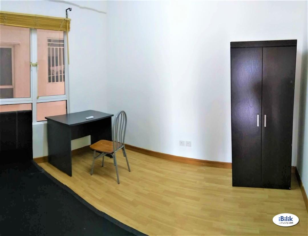 Middle Room at Cova Suites, Kota Damansara, Near SEGI University