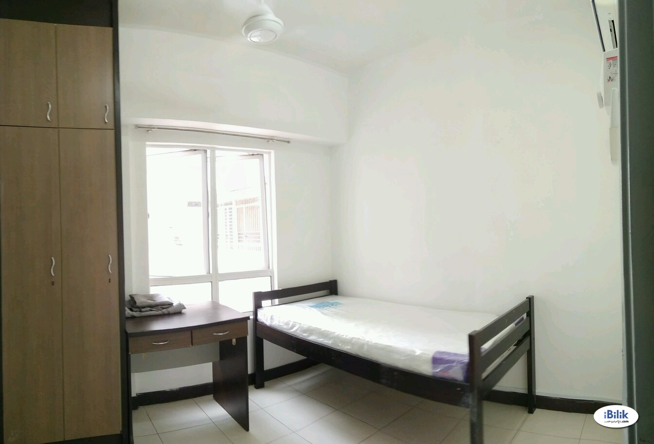Single Room at Cova Villa, Kota Damansara