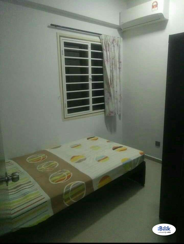 New Renovated UNIT Bangsar Walking to Bangsar Village, LRT Stesen Putra. Near Mid Valley With WIFI