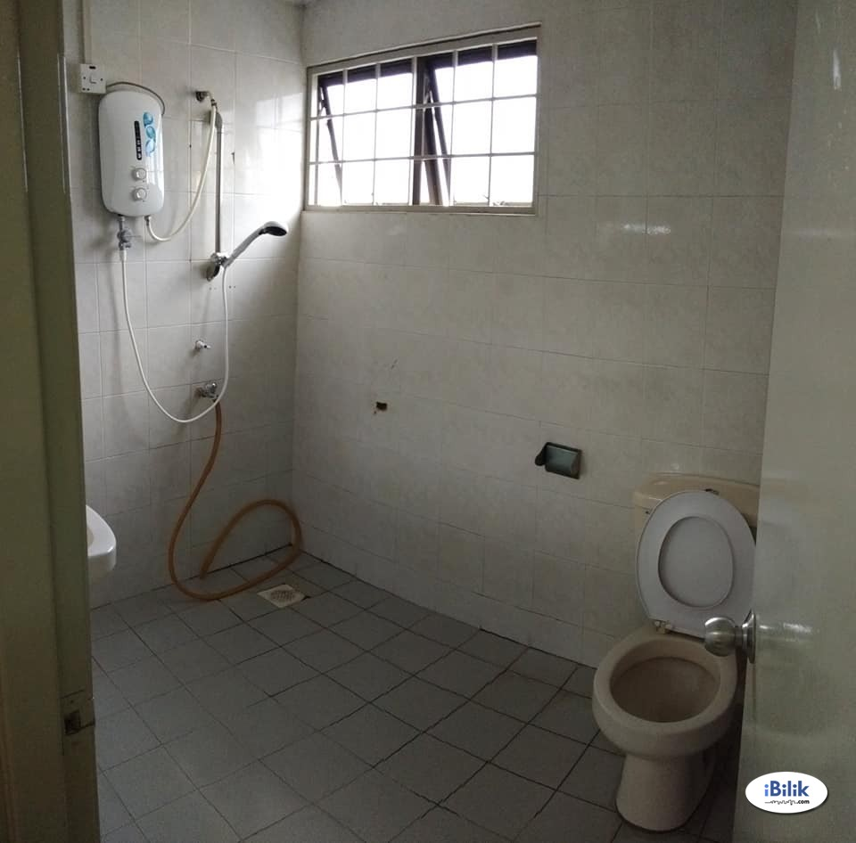 Cheapest Middle Room at BU11 Bandar Utama, Petaling Jaya