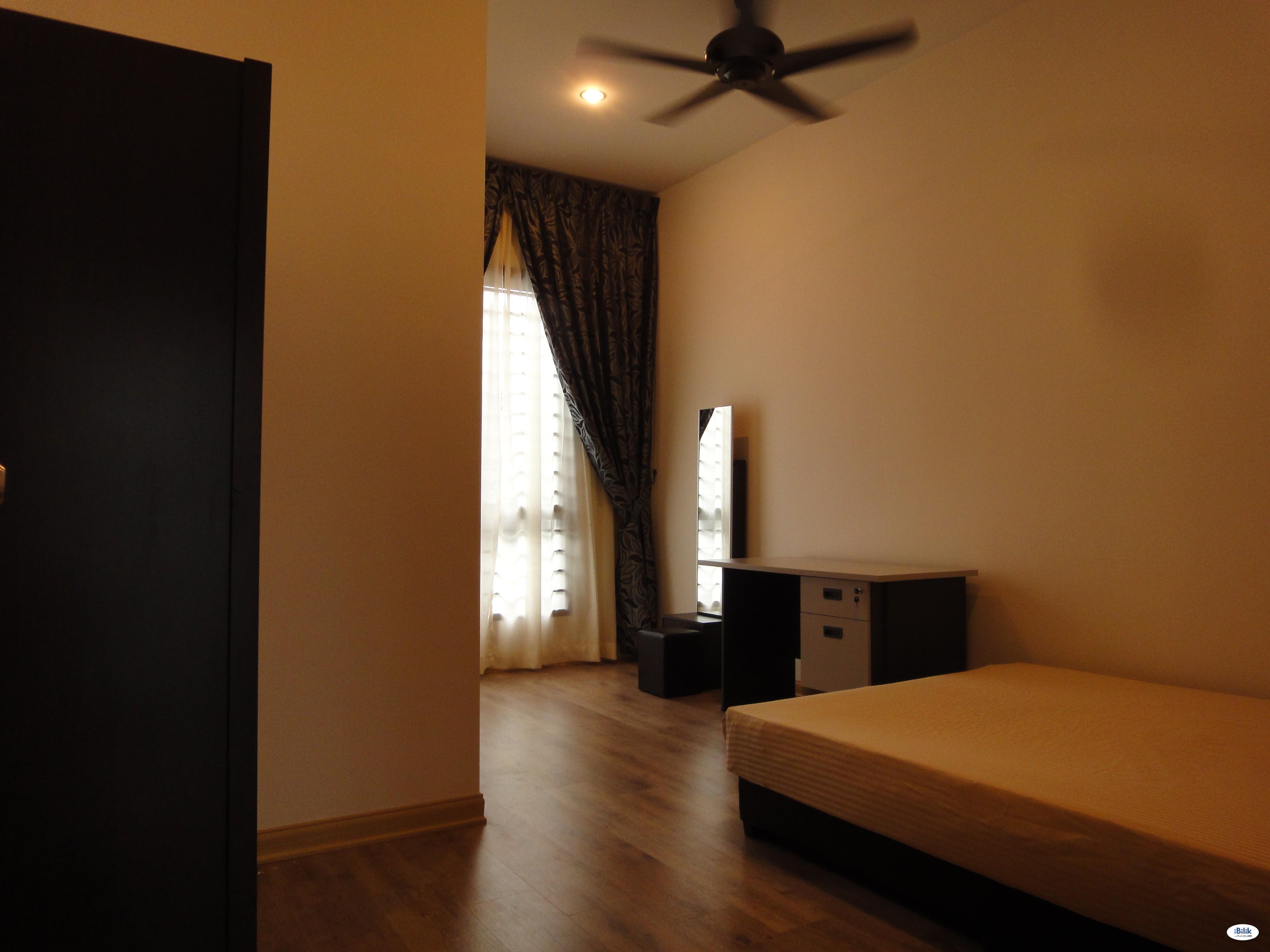 Fully Furnished Middle Room Skudai UTM Taman U