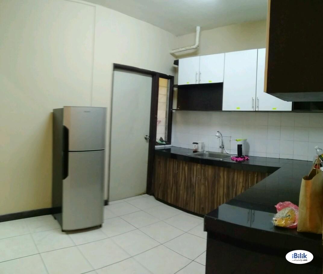 Big Master Room at Cova Suites, Kota Damansara Near SEGI University, MRT Station