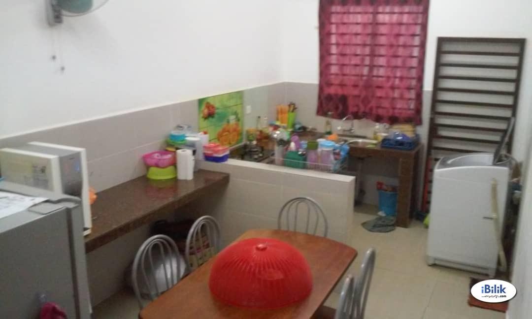 Middle Room at Bandar Sri Sendayan, Sendayan