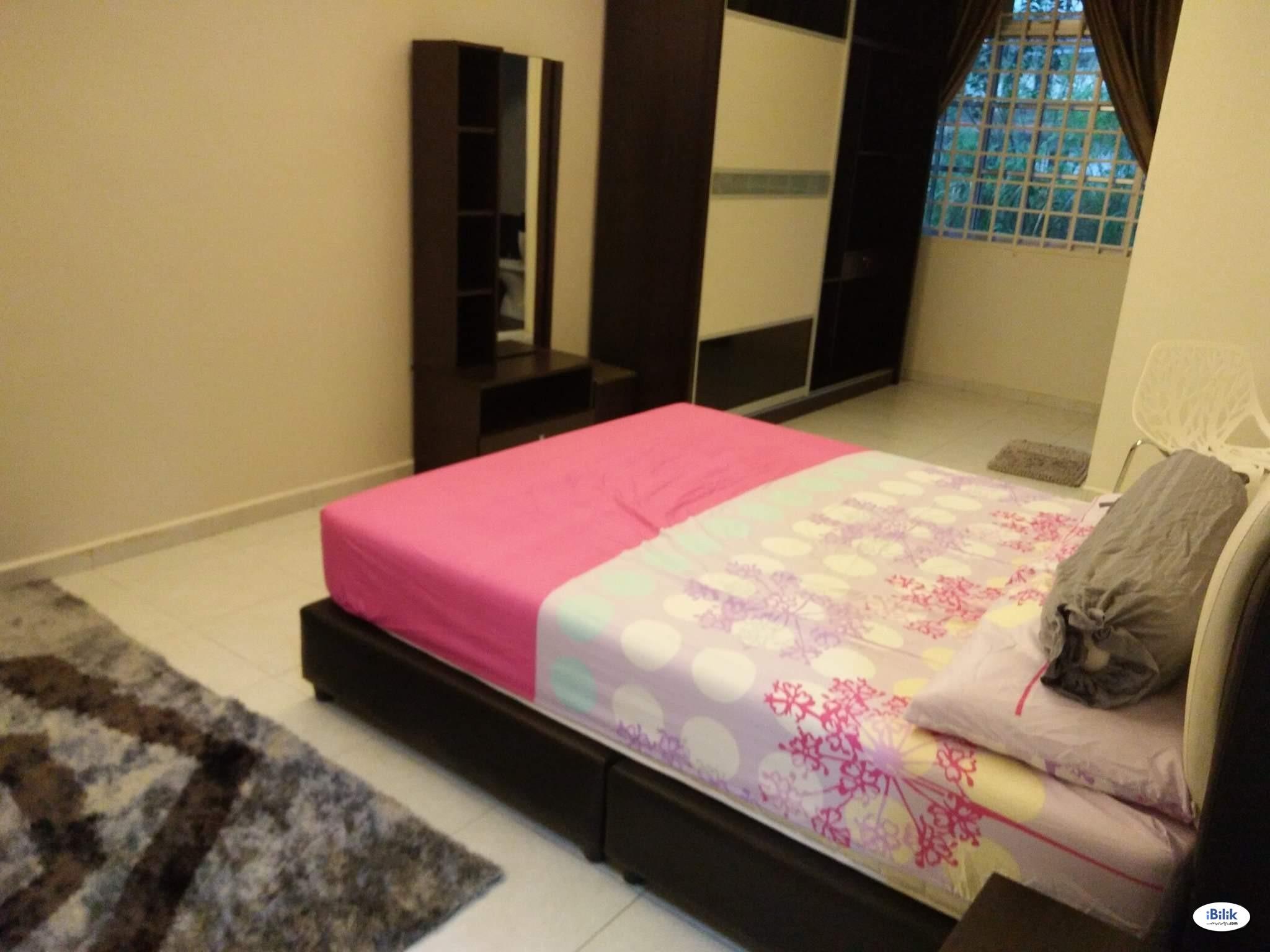 Master Room at Taman Angkasa Nuri, Batu Berendam