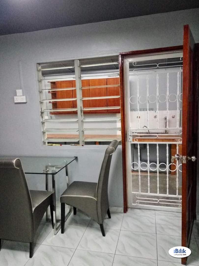 Middle Room at Malim, Melaka