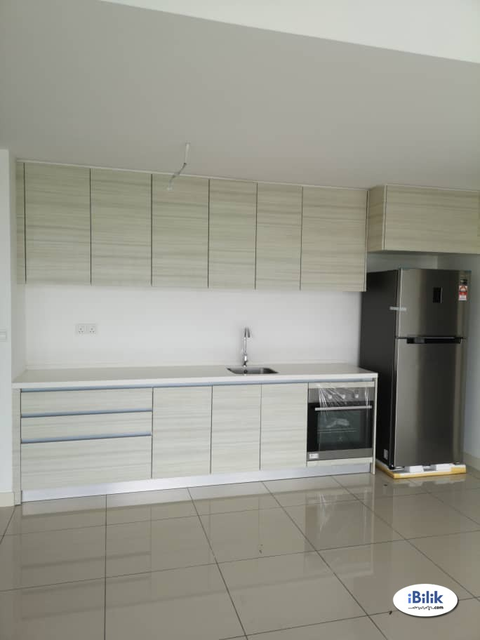 Master Room at Luxury Condominium Windows On The Park, Bandar Tun Hussein Onn, Balakong, Cheras Selatan, Selangor
