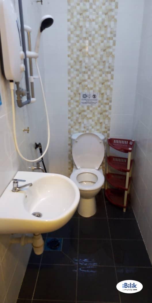 Middle Room At Bandar Puchong Jaya, Puchong Jln Kenari