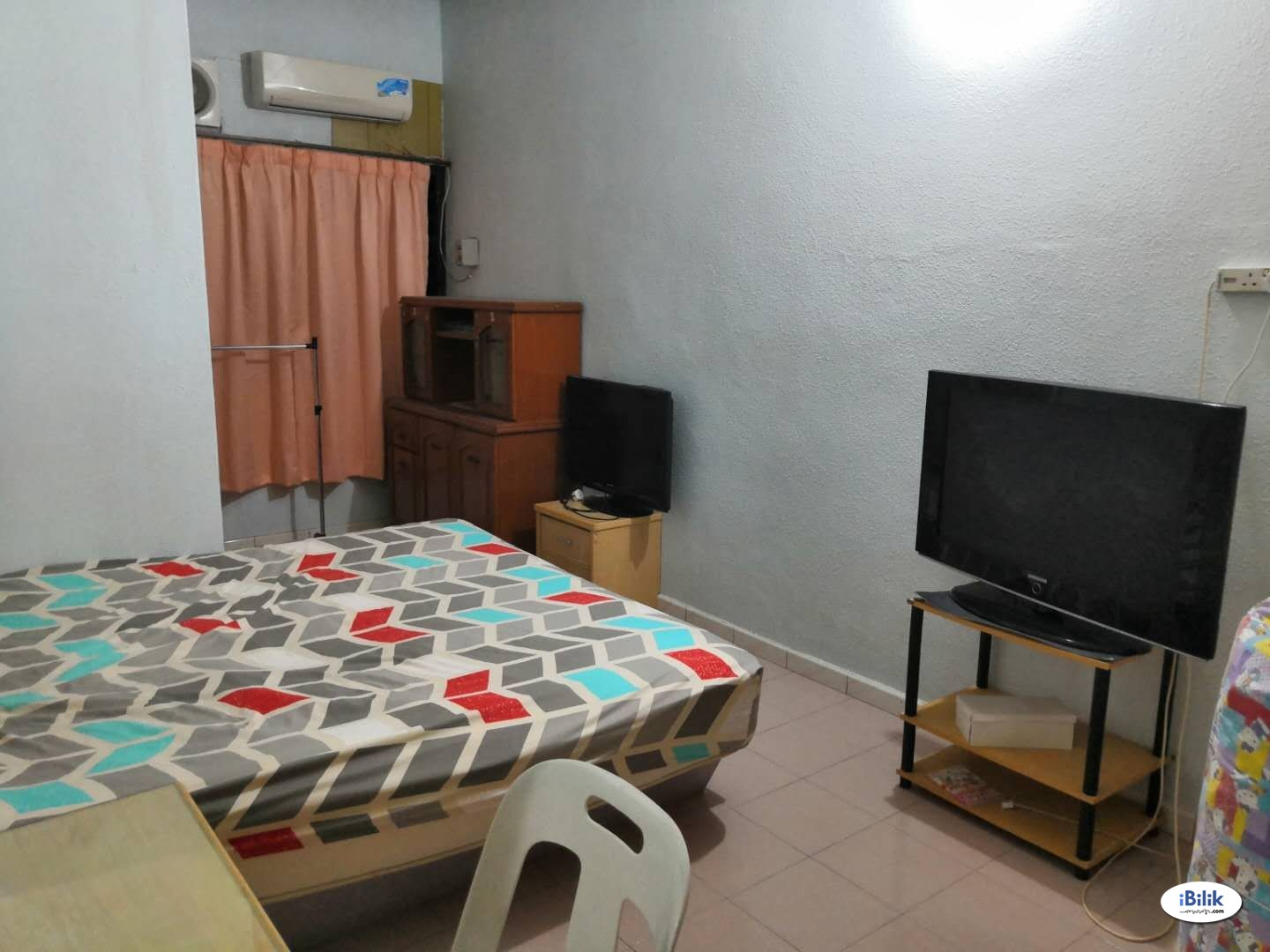 Middle Room at Taman Riang, Butterworth