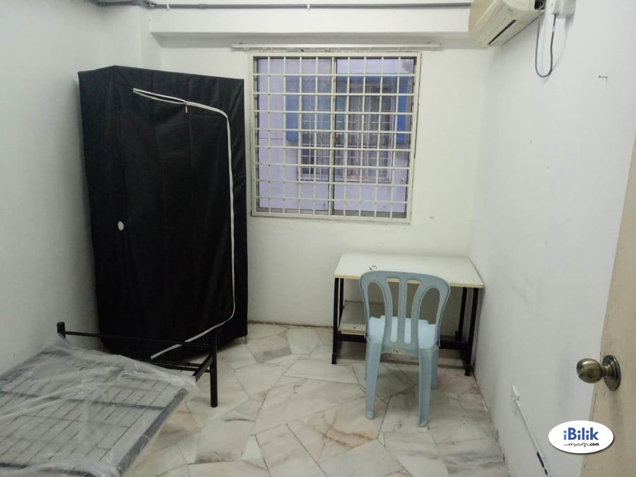 Single Room at Bukit Pandan 1, Pandan Perdana (Nearby Public Transport)