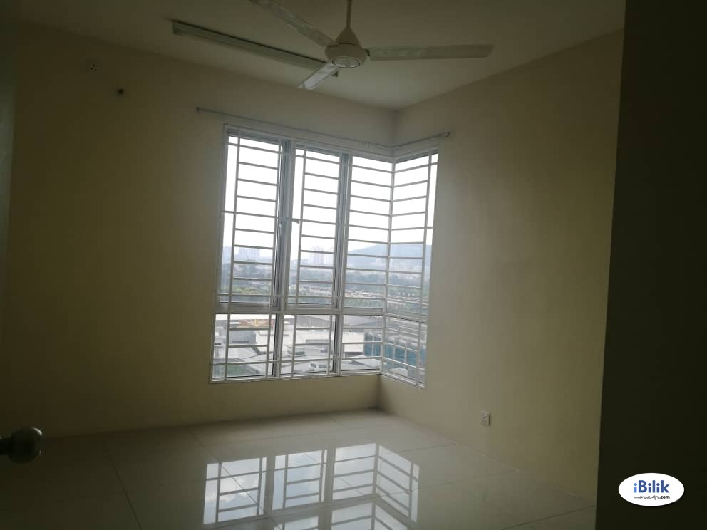 Middle Room at Rafflesia Sentul Condominium, Sentul