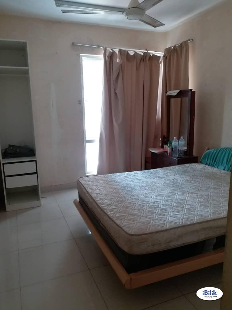 Middle Room at Platinum Hill PV2, Setapak