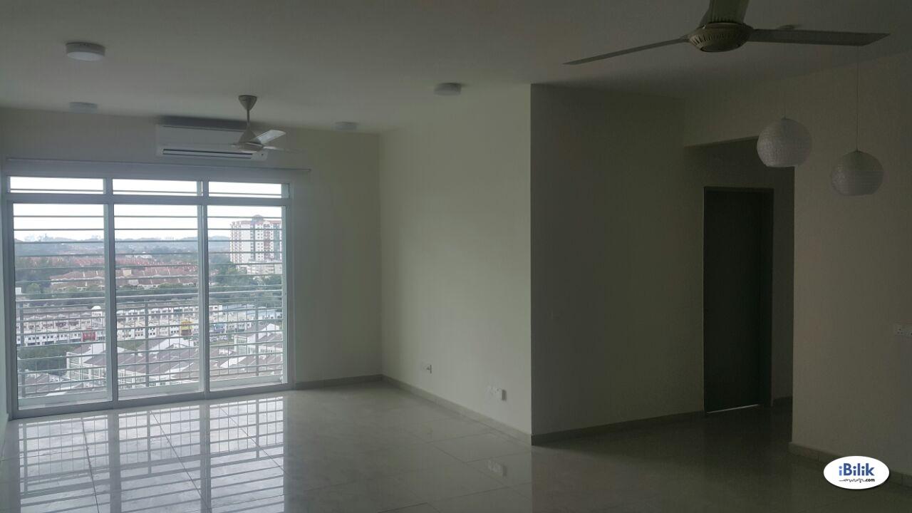 Middle Room at Springville Residence, Bandar Putra Permai