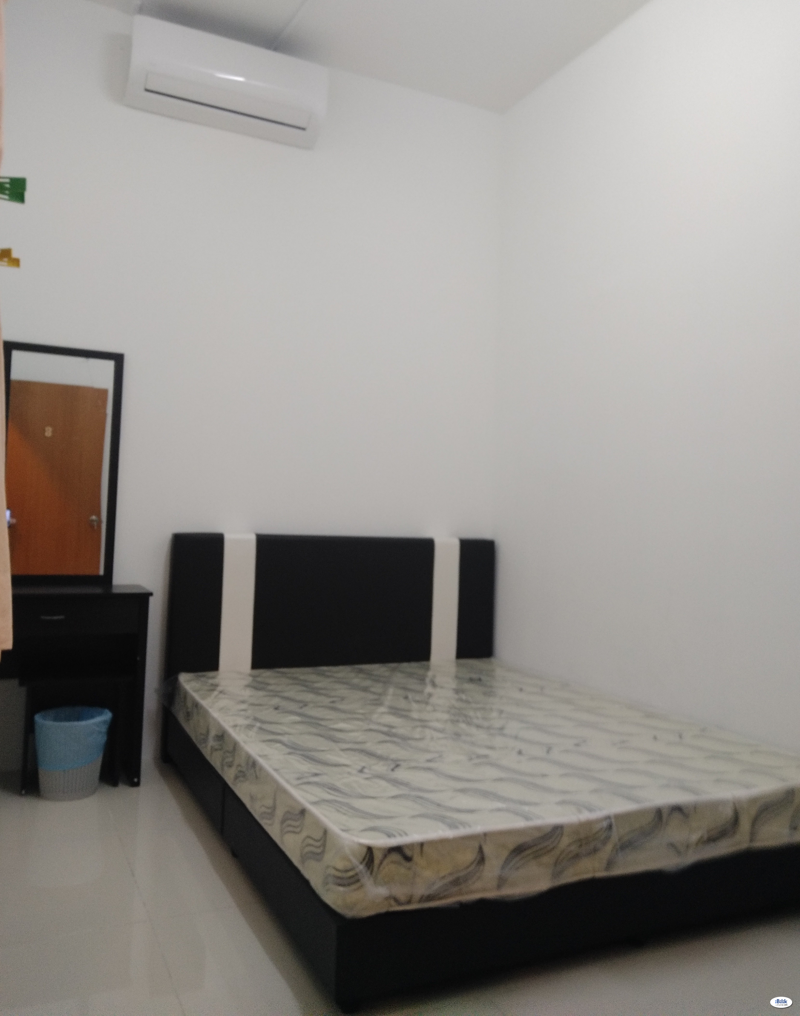 Middle Room at KM1, Bukit Jalil