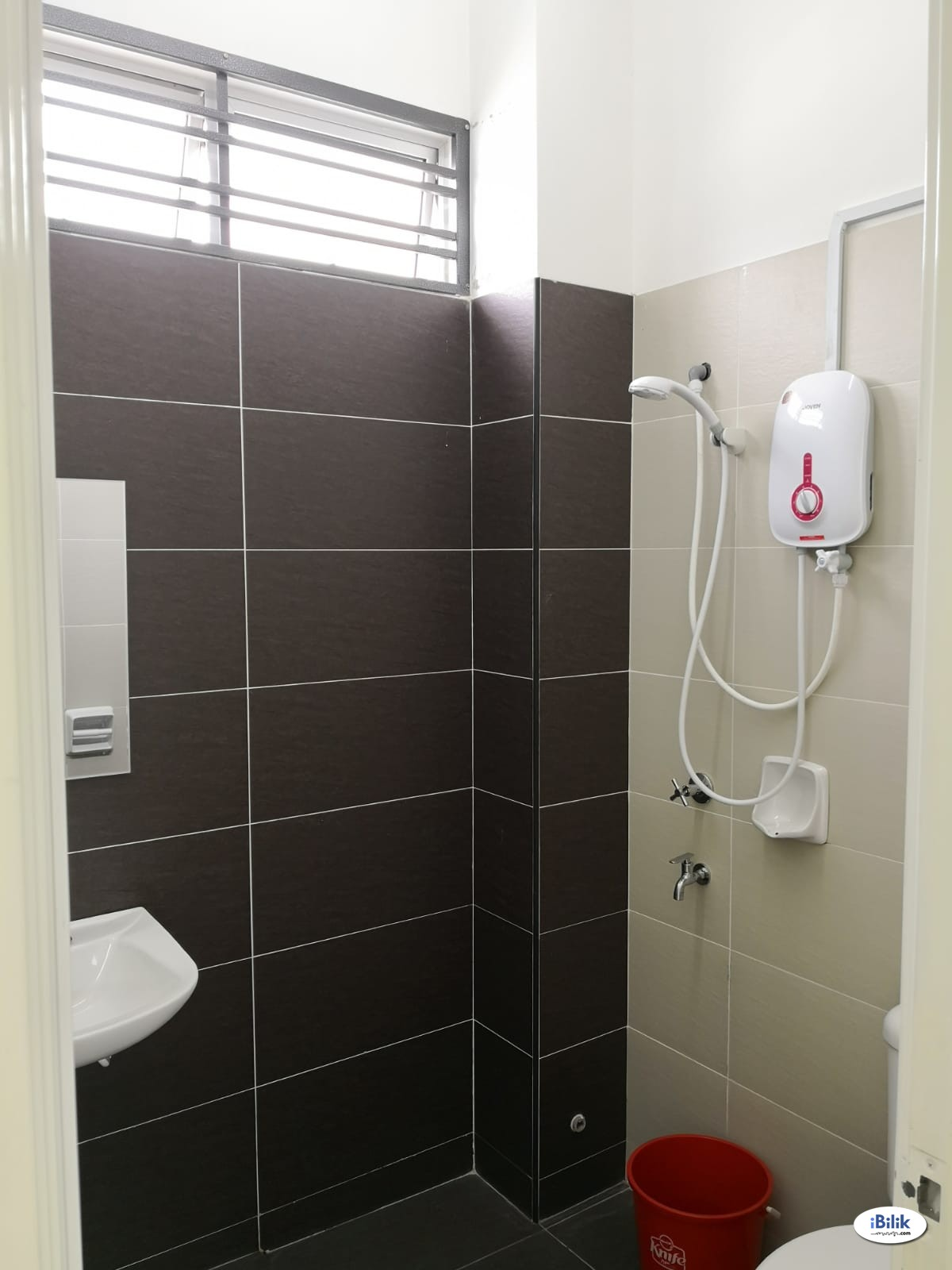 Single Room at Taman Daya, Tebrau