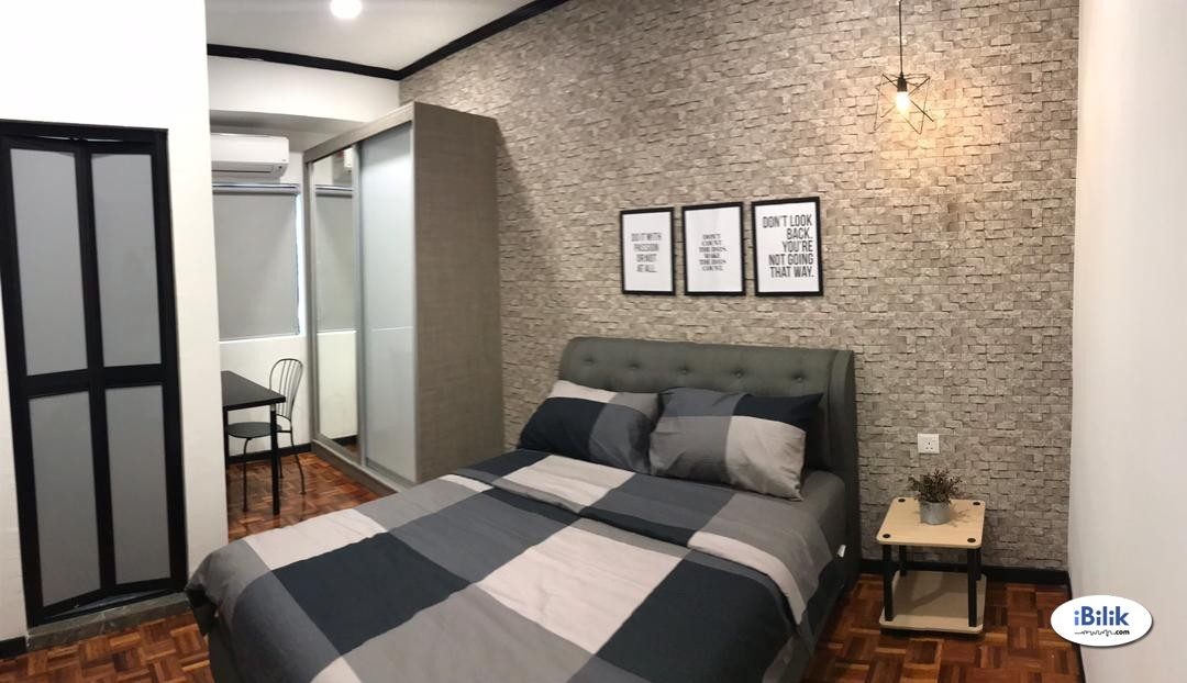 Syed Putra (Mid Valley), New, Nice & Interior Designed Fully Furnished Room + Private Attached Bathroom (Free Utilities & WiFi)