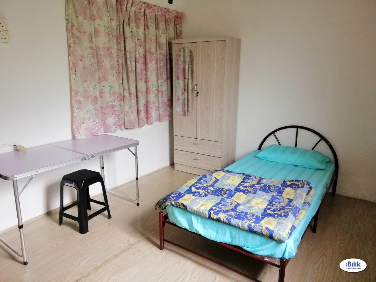 Fully Furnished Room ( Air- Cond. Include Utilities )