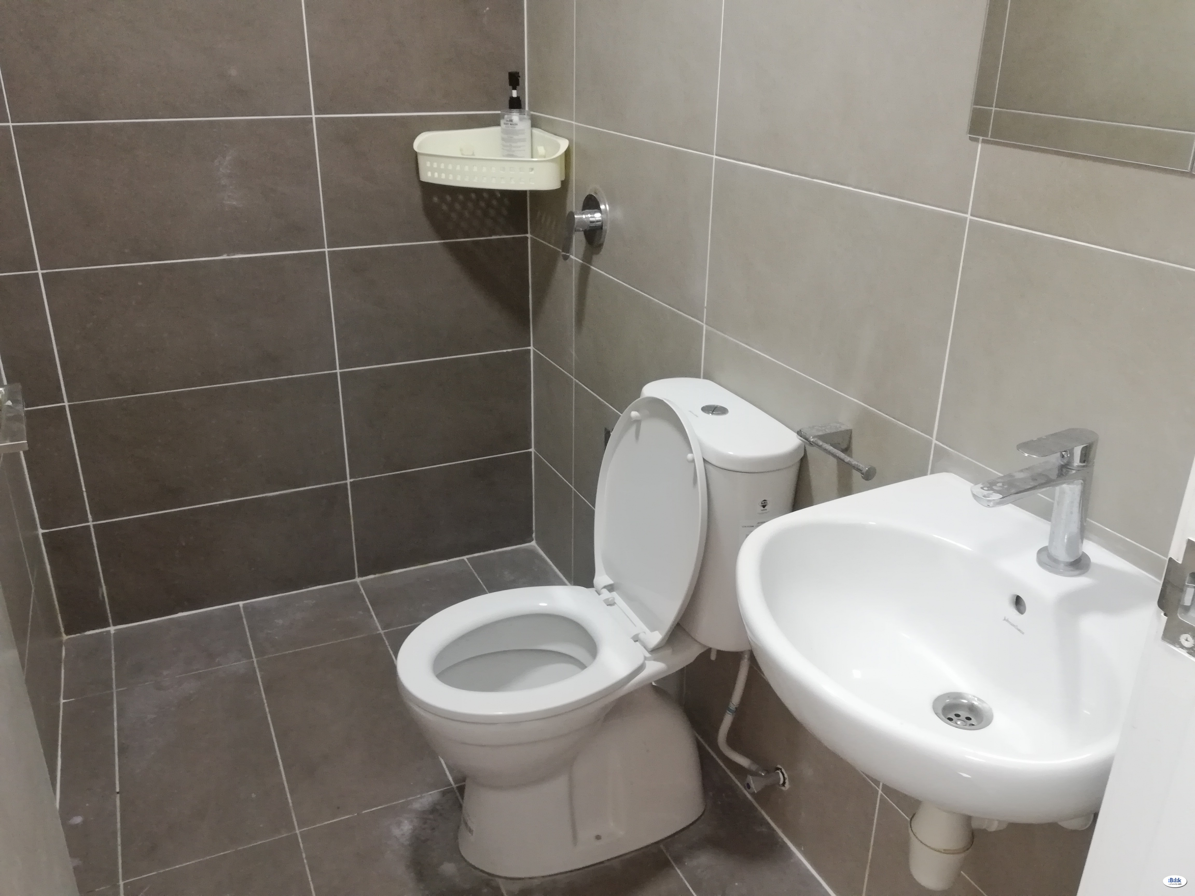 LIMITED [Free Using Coway, WIFI & H/keeping] at Condo The Green Seksyen 22