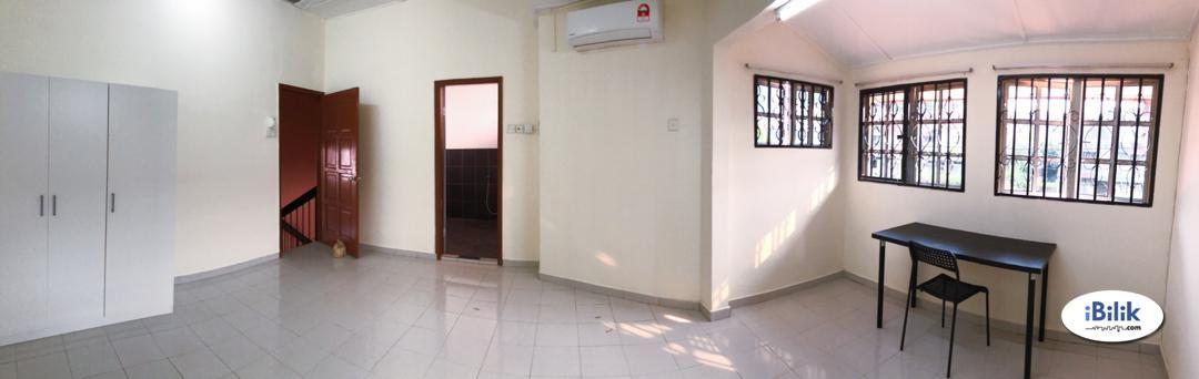 NEW Master Room with Private Bathroom near MRT and Bangsar, Kuala Lumpur
