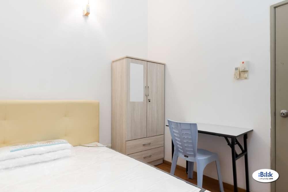 Affrordable Living! Middle Room at Bangsar, Kuala Lumpur