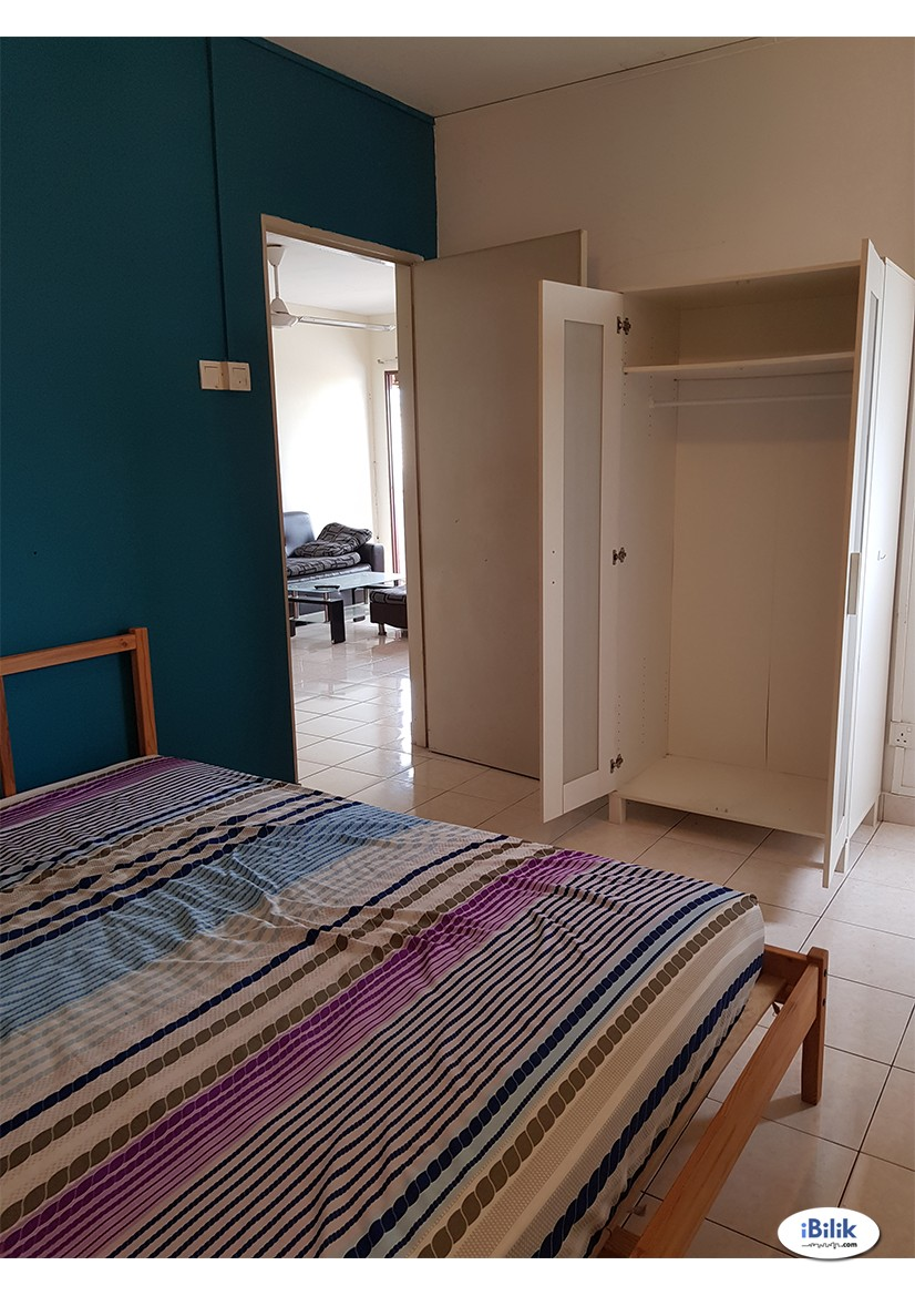 Middle Room at Palm Spring FULLY FURNISHED + AIR CON