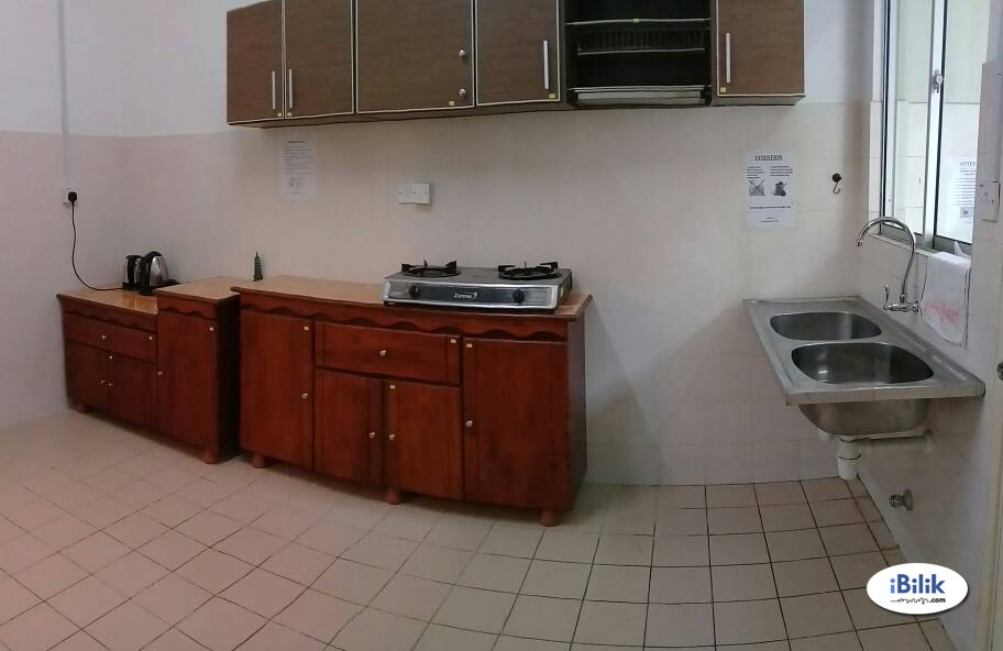 Middle Room at Bandar Sunway, Petaling Jaya & WIFI