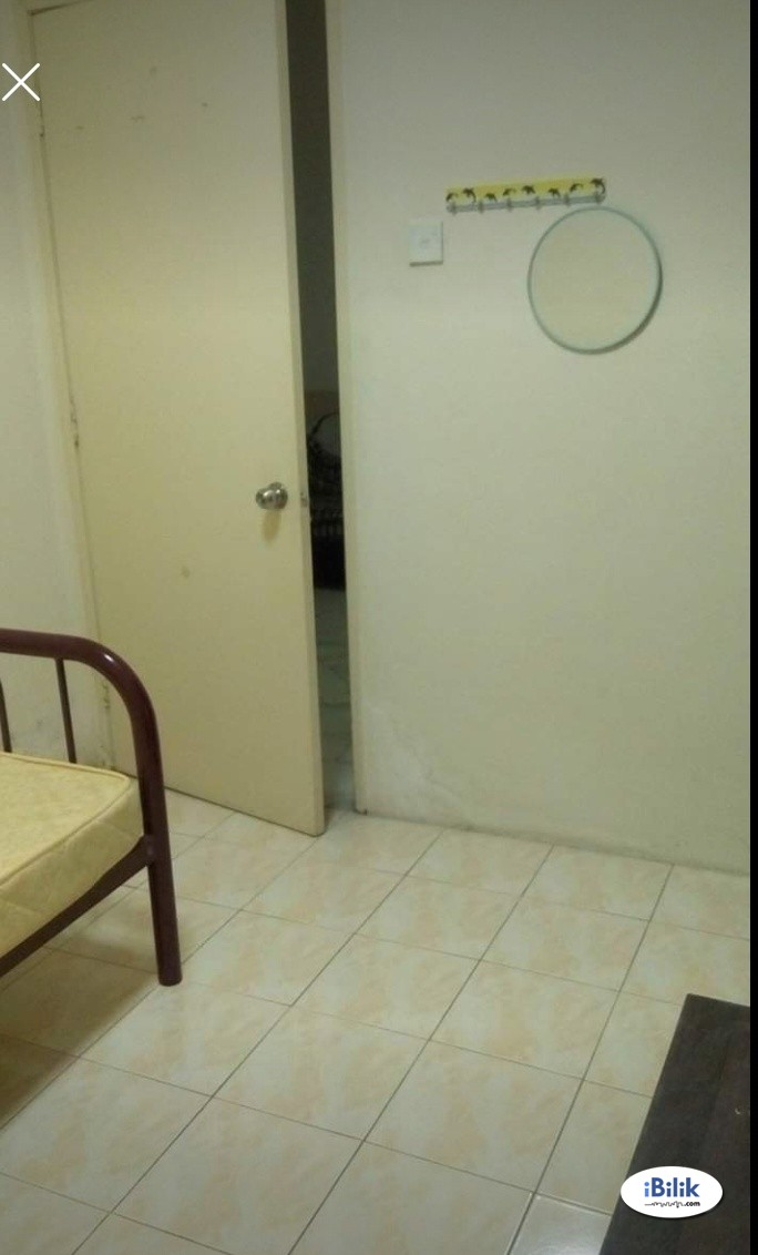 Middle Room at Desaminium Rimba, Bandar Putra Permai