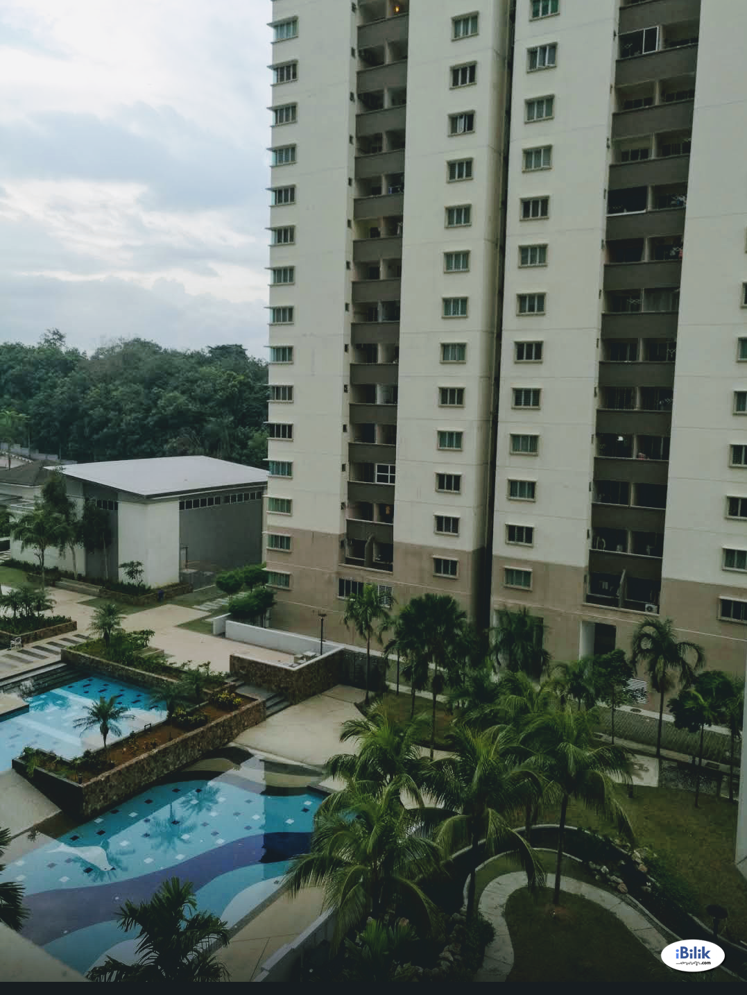 Nice Middle Room with Furnished Middle Room at Aman Heights, Seri Kembangan