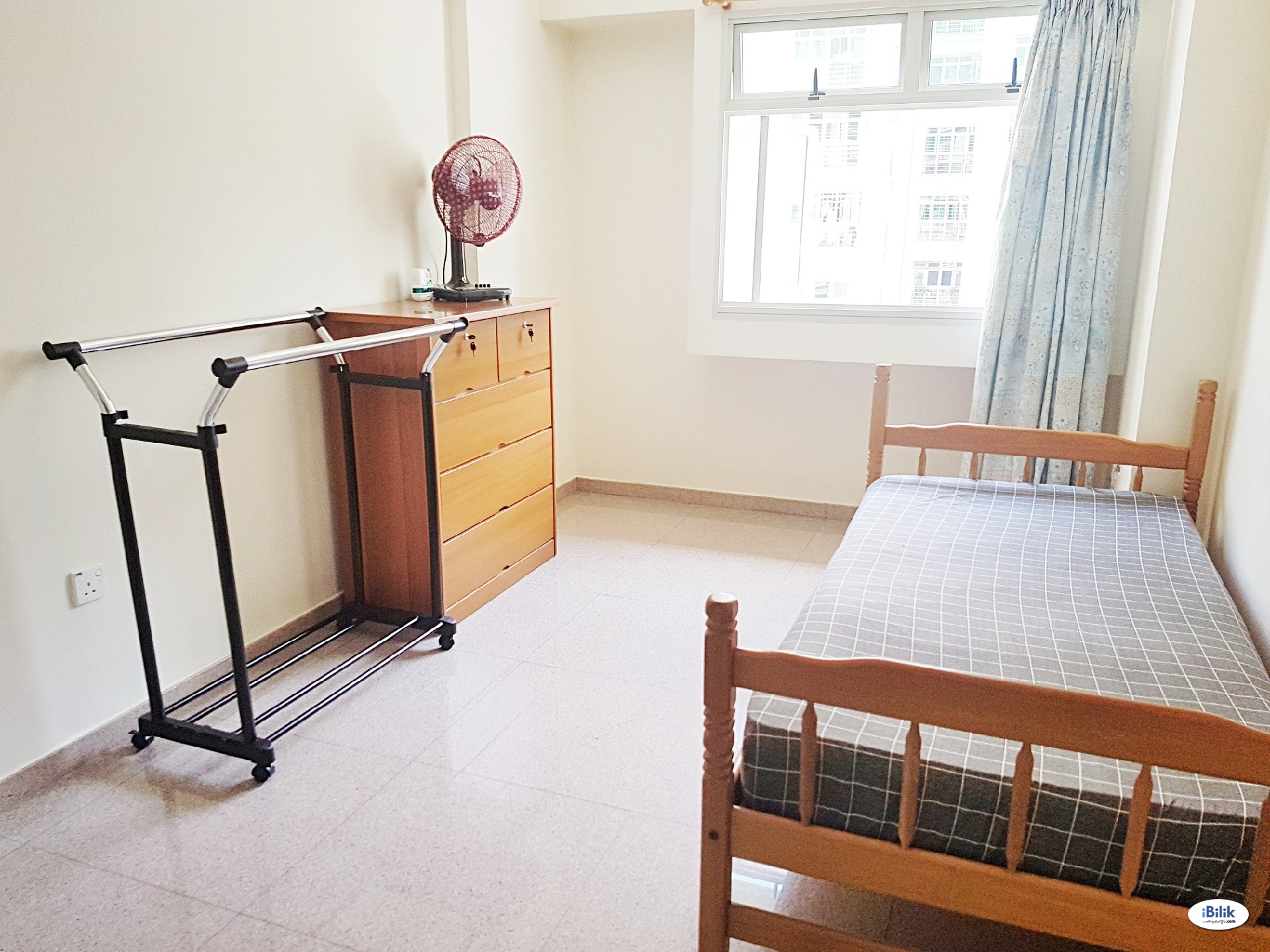 Clean and Spacious Room for Rent at Punggol (Cove)