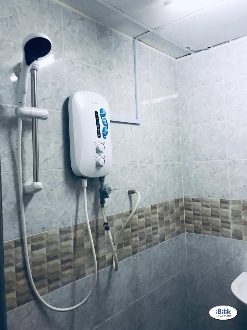 Master Room At Tropicana, Petaling Jaya WITH 100MBPS INTERNET SPEED