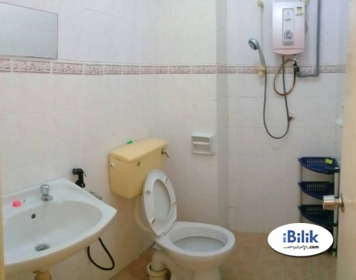 Room For Rent at Puchong DAMAI UTAMA with Private Bathroom, High Speed Wi-Fi