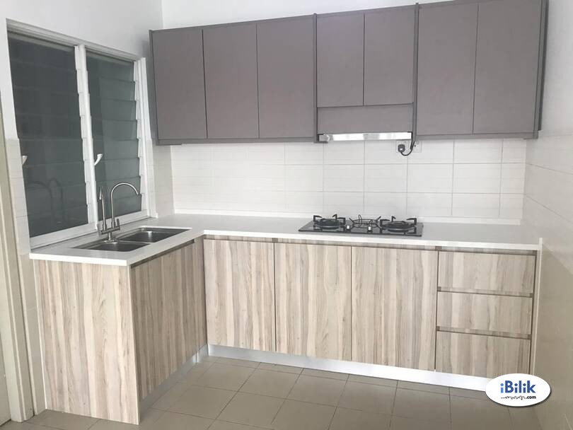 Available Middle Room For Rent at Bandar Kinrara, Puchong with Full Facilities & High Speed WiFi