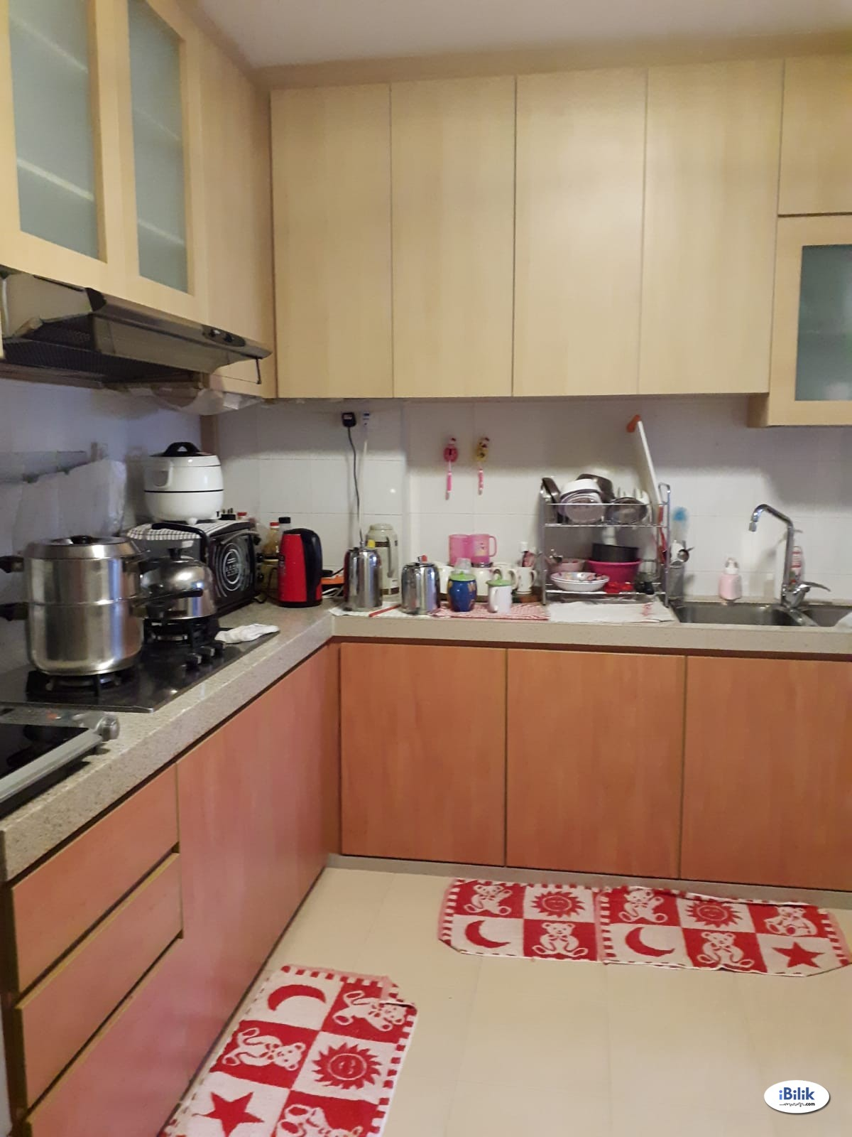 Blk 288B jurong east st21 common rm for single female (nr mrt)
