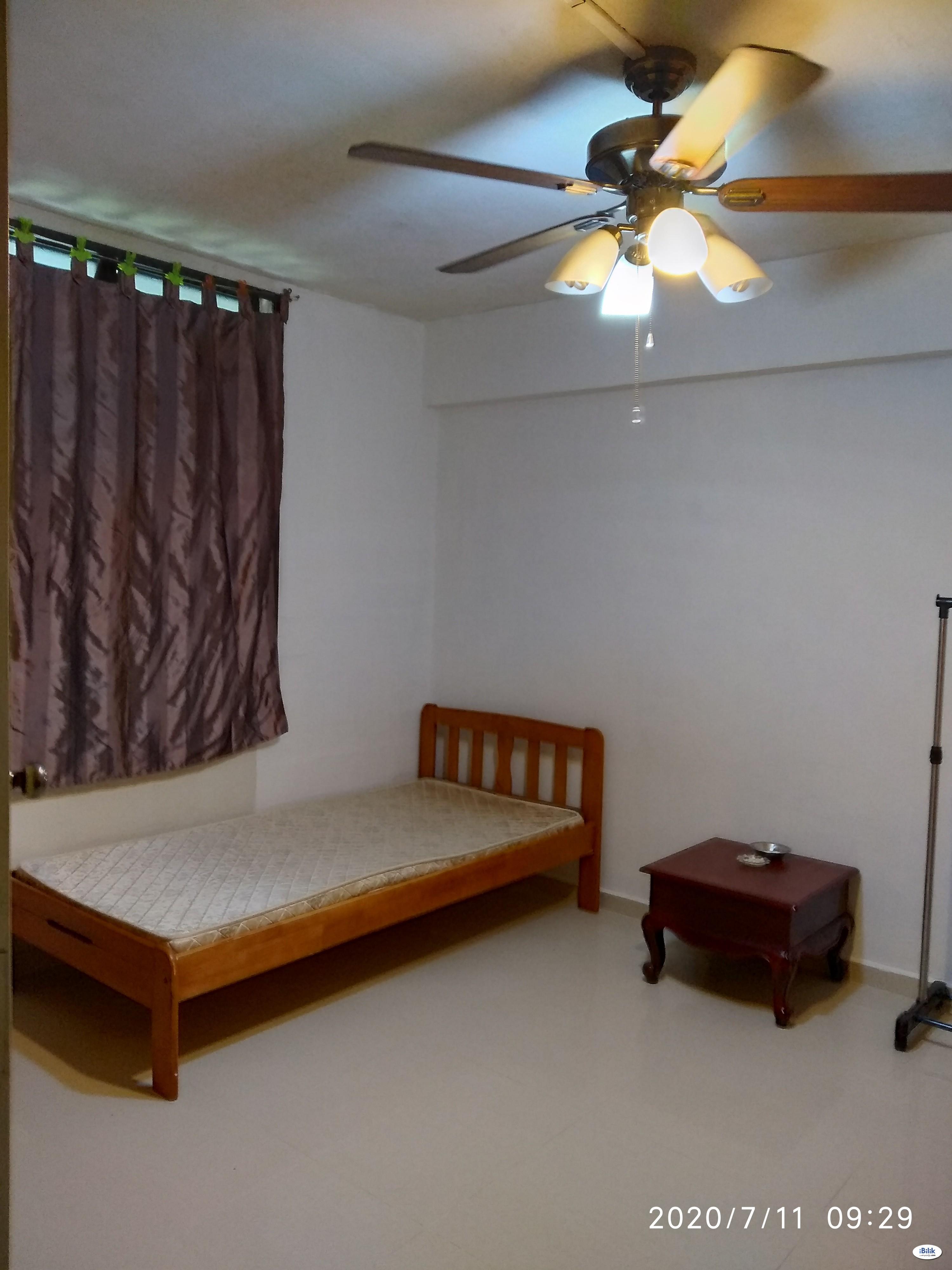 Single Room atJalan Bahagia Central Area