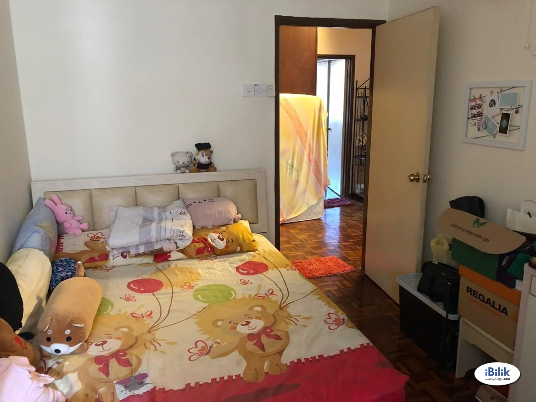 Middle Room at Cheras, Kuala Lumpur