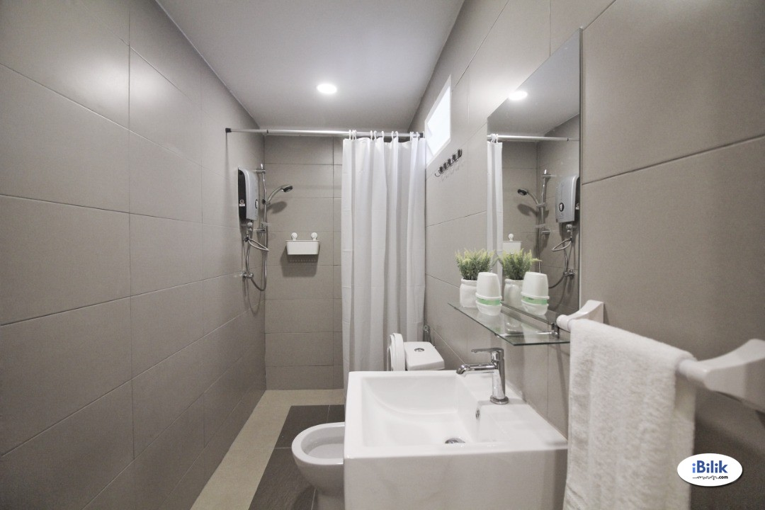 Bangsar, Nice & Interior Designed Fully Furnished Room + Private Attached Bathroom (Inclusive Utilities & WiFi)