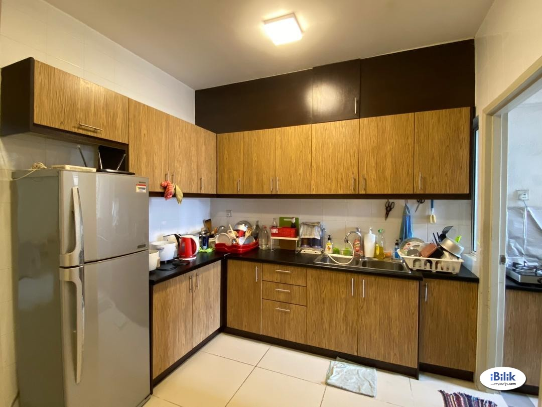 Cova Suites Fully Furnished Middle Room FOR RENT!