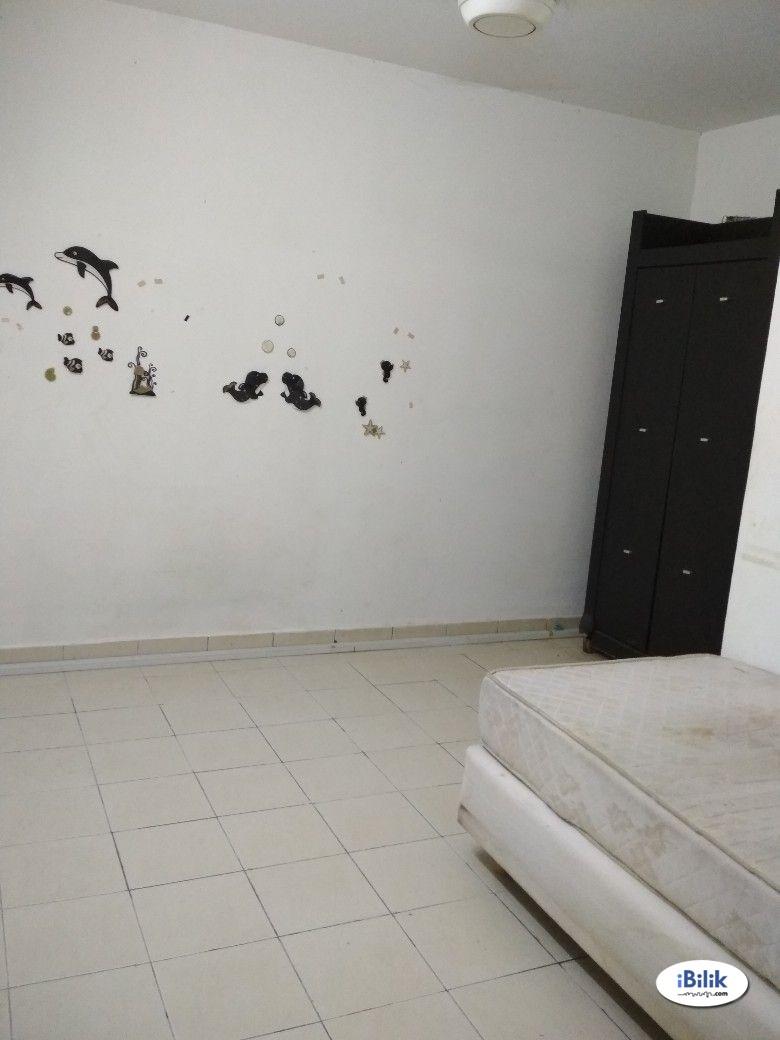Single Room at Sepang, Selangor