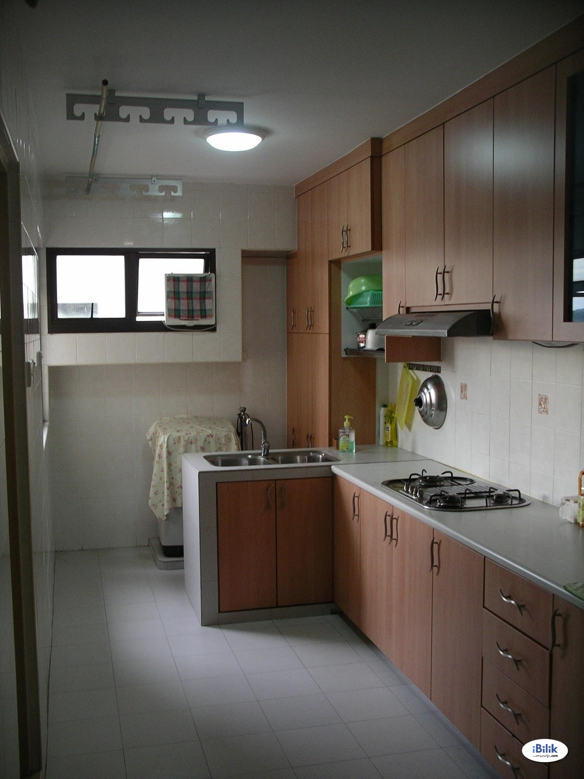 Middle Room at Jurong West, Jurong