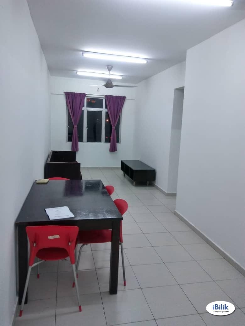 Single Room at South City Plaza, Seri Kembangan