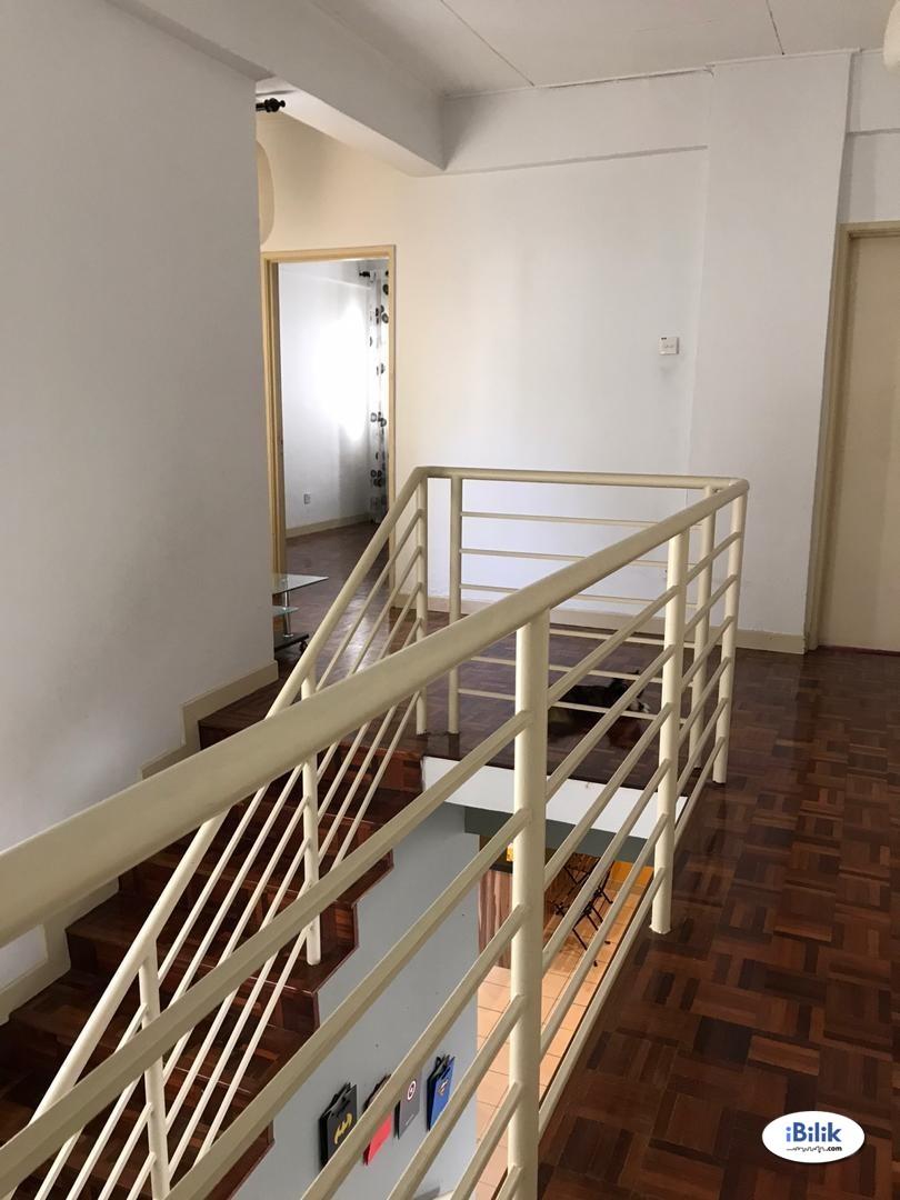 Master Room at Belimbing Heights, Seri Kembangan