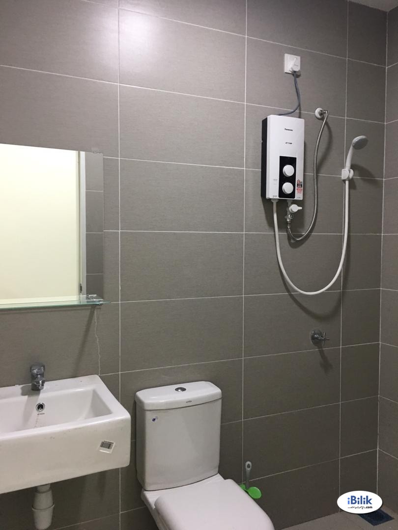 OWN bathroom & COZY Master Room at Balista, Seremban for RENT...